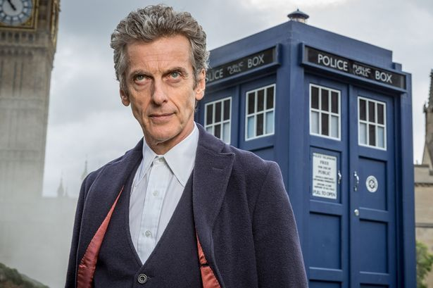 El actual Doctor, Peter Capaldi, había salido previamente en esta misma serie haciendo otro papel, ¿Cúal?