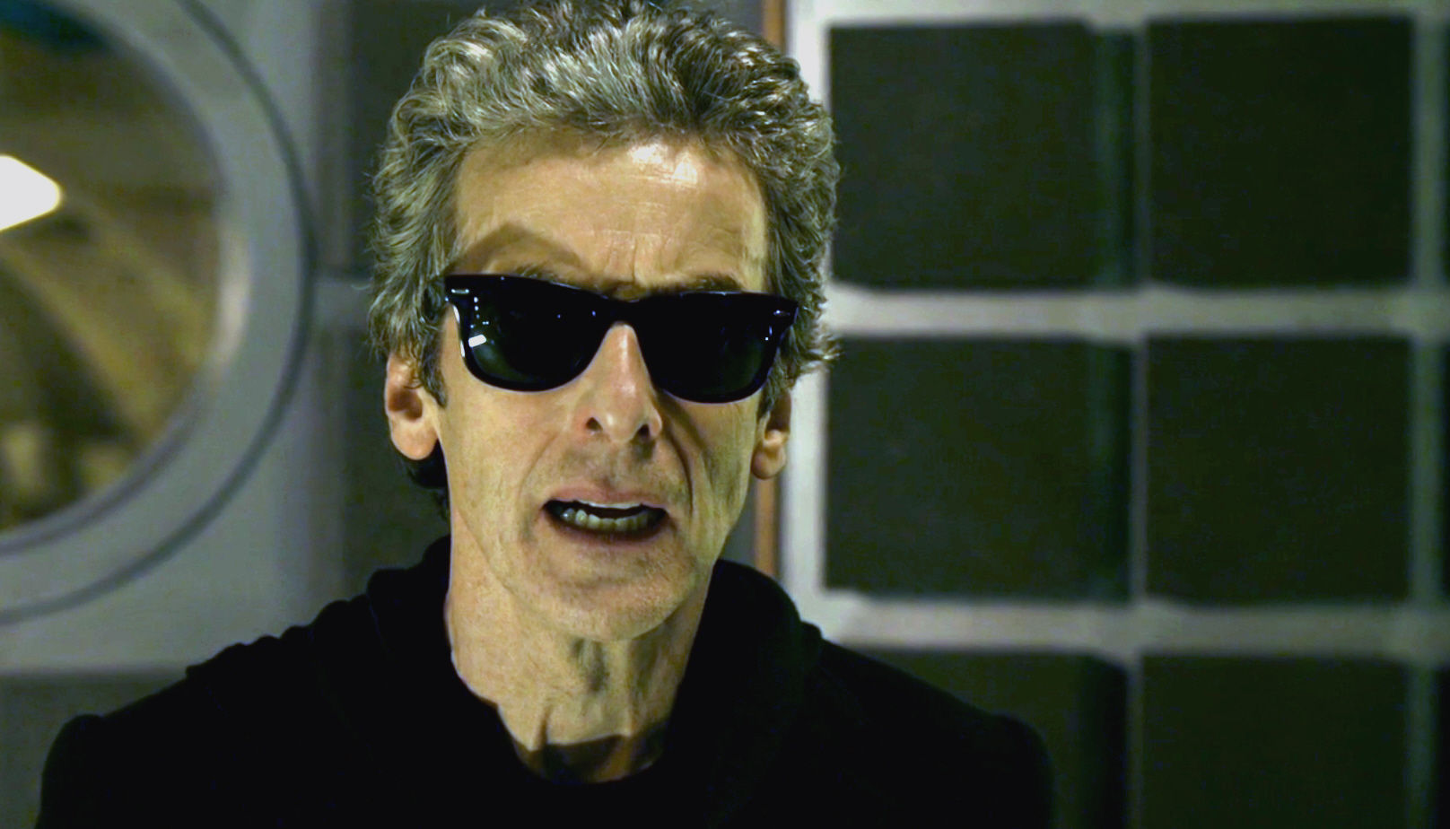 ¿Qué gadget ha cambiado temporalmente el Doctor por una gafas Ray Ban?