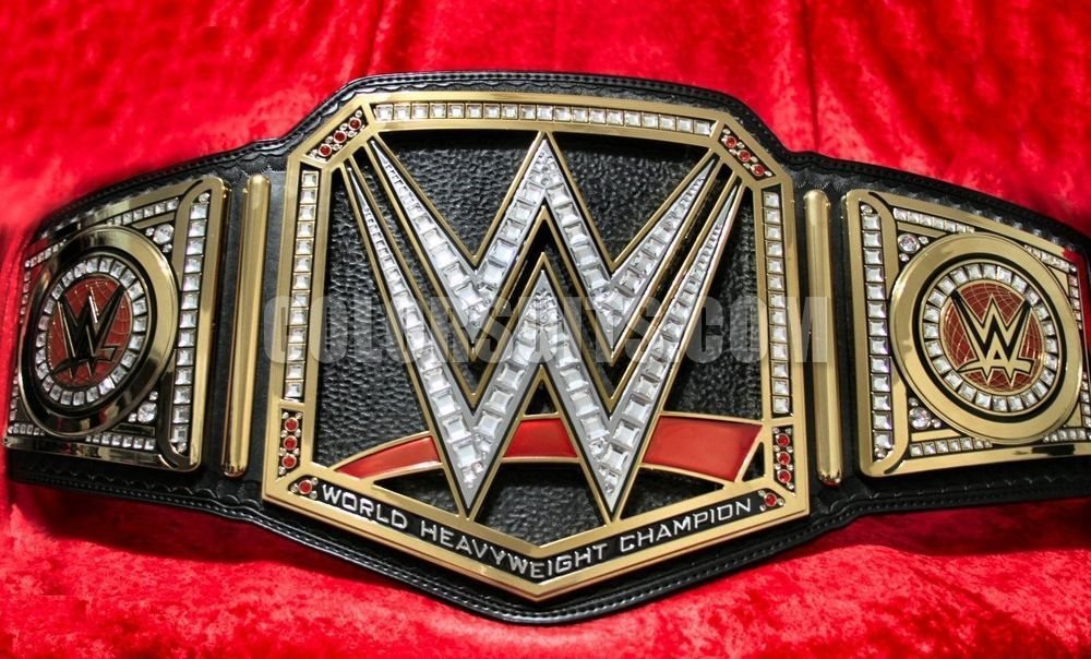 ¿Cuál es el reinado más largo del WWE World Heavyweight Championship?