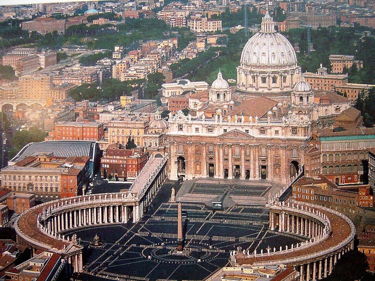 ¿Ves bien que la Iglesia sea muy rica, pero predique con la austeridad y la pobreza?