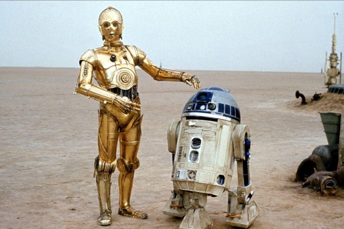 C-3PO y R2-D2 acaban siendo pasajeros y trabajadores de la Tantive IV pero...¿Por qué C-3PO no recuerda nada?