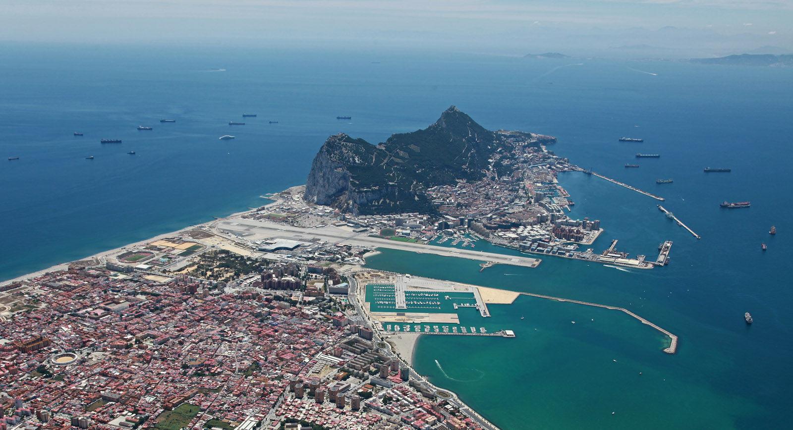 ¿A qué país pertenece Gibraltar?