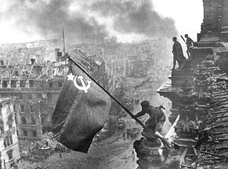 ¿Quién lideró la URSS en la Segunda Guerra Mundial y contra quién lucharon principalmente?
