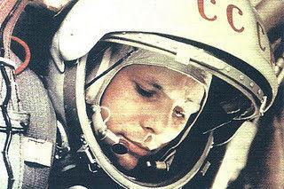 ¿Quién fue el/la primer astronauta soviético que viajó al espacio?