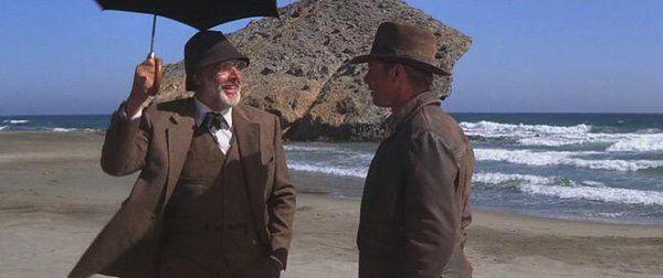 ¿A quién cita Henry cuando provoca un accidente de una avioneta nazi en Alejandreta?