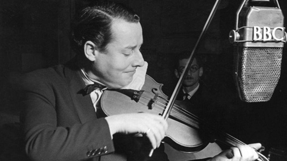 Uno de los mejores violinistas del Jazz, Stéphane Grapelli, hizo una contribución a otro género musical con el grupo...