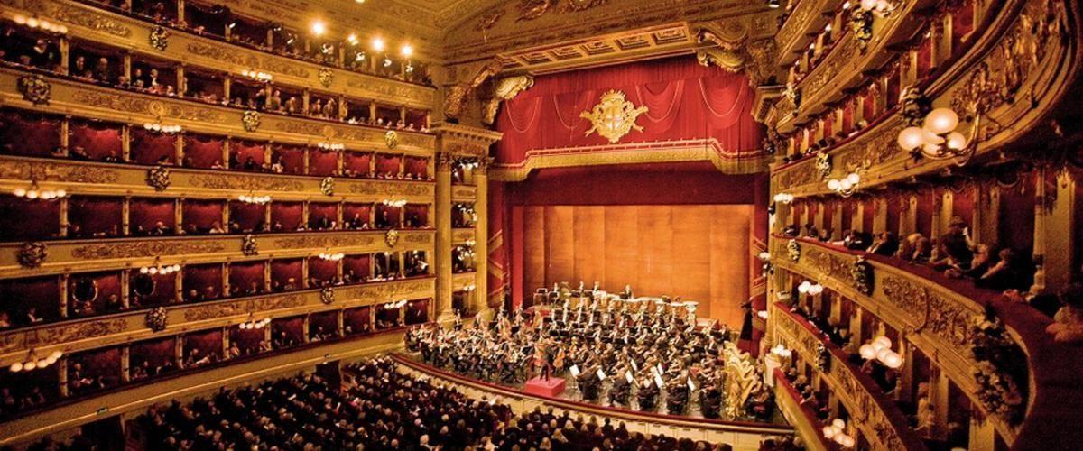 ¿Cómo se llama el teatro más conocido de Milán?