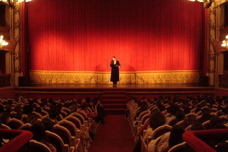¿A quién se le atribuye la primera ópera de la historia?