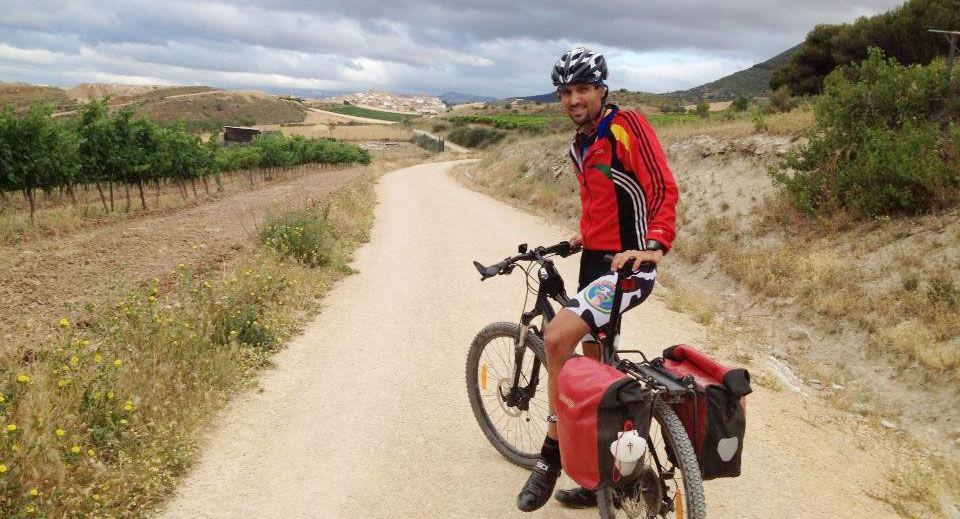 ¿Oficialmente cuándo debes caminar (o pedalear en bici) para que se te reconozca como peregrino y te den una Compostela?