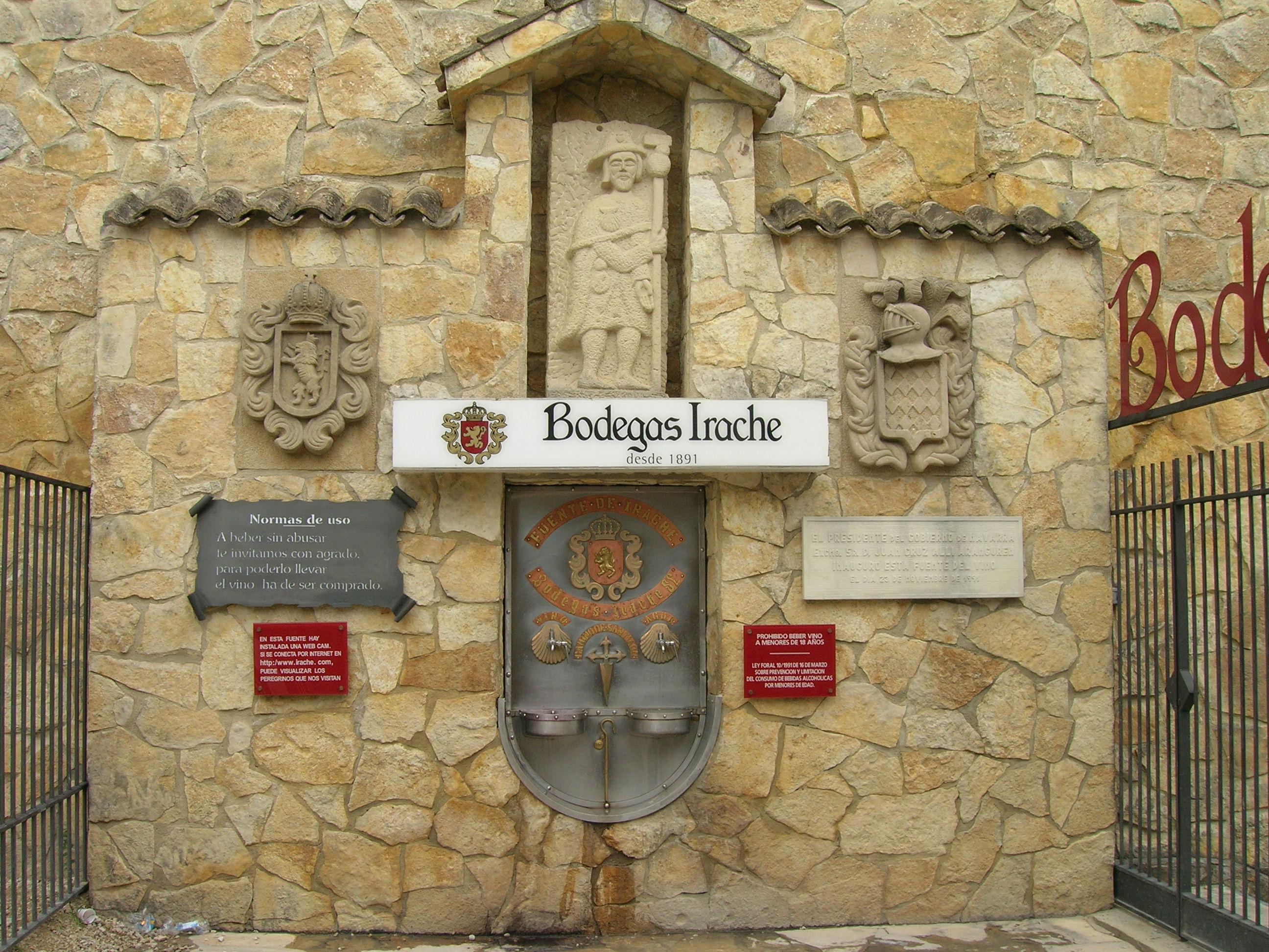 En que provincia del Camino Francés hay una fuente de vino gratuita para los peregrinos.