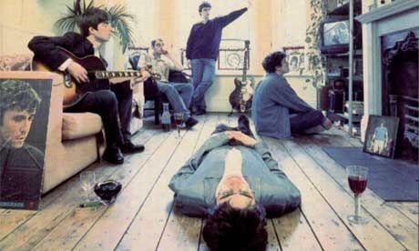 ¿Cuál es el nombre del álbum debut de Oasis lanzado en 1994?