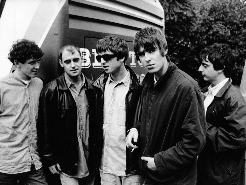 ¿Qué componentes del grupo dejaron la banda en 1999?