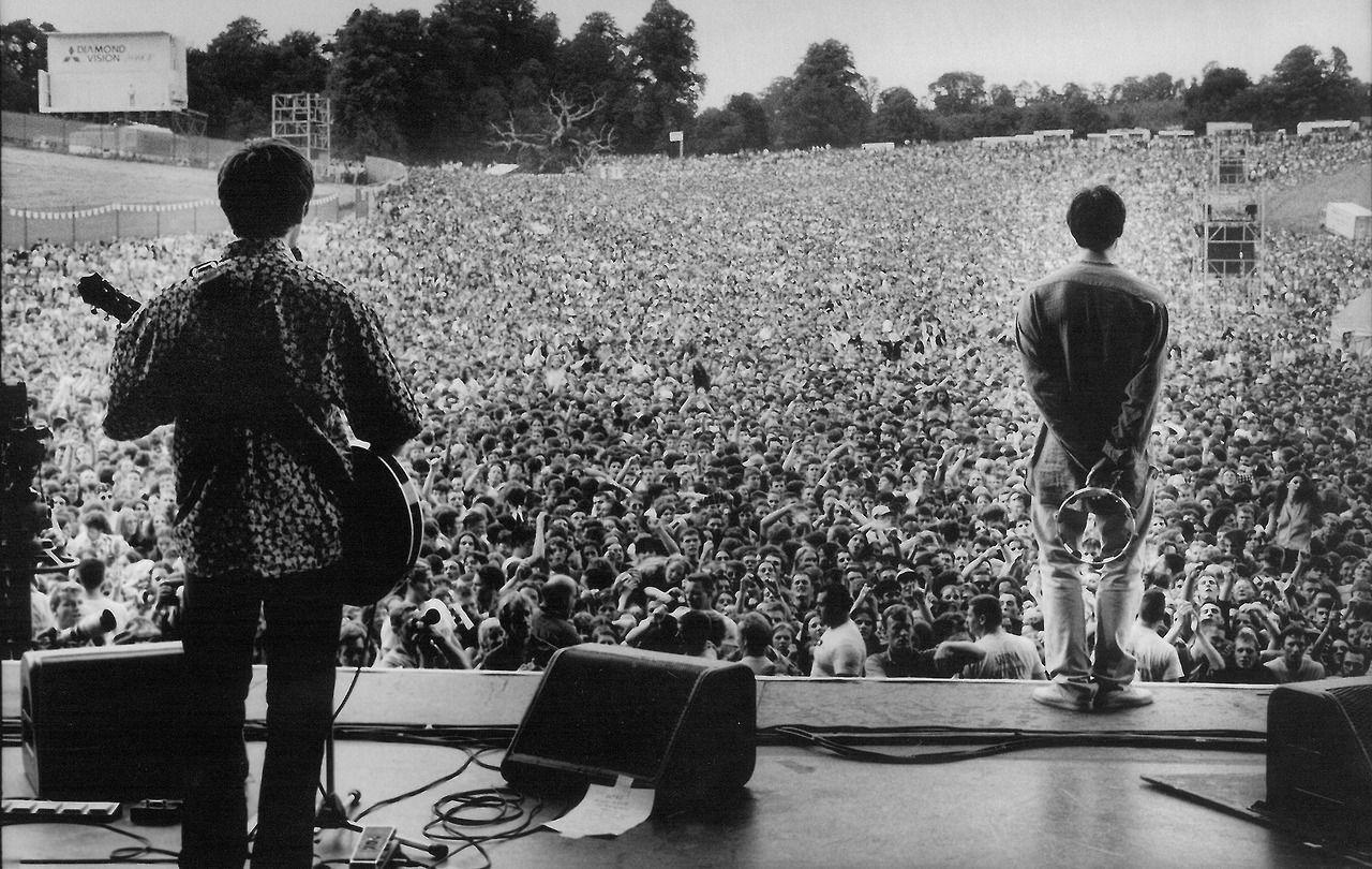 ¿Cuál ha sido el concierto mas grande realizado por Oasis?
