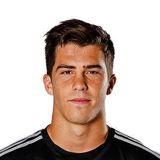 Juega en el Real madrid. PISTA: Es un portero español.