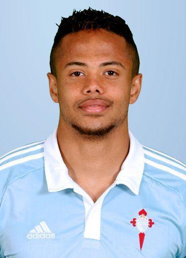 Juega en el Celta de Vigo. PISTA: Es Belga y ocupa la posición de extremo izquierdo, su dorsal es el 7.