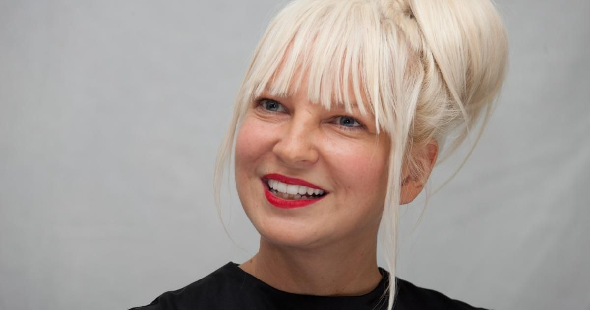 ¿Cuál de estas canciones no ha sido escrita por Sia?