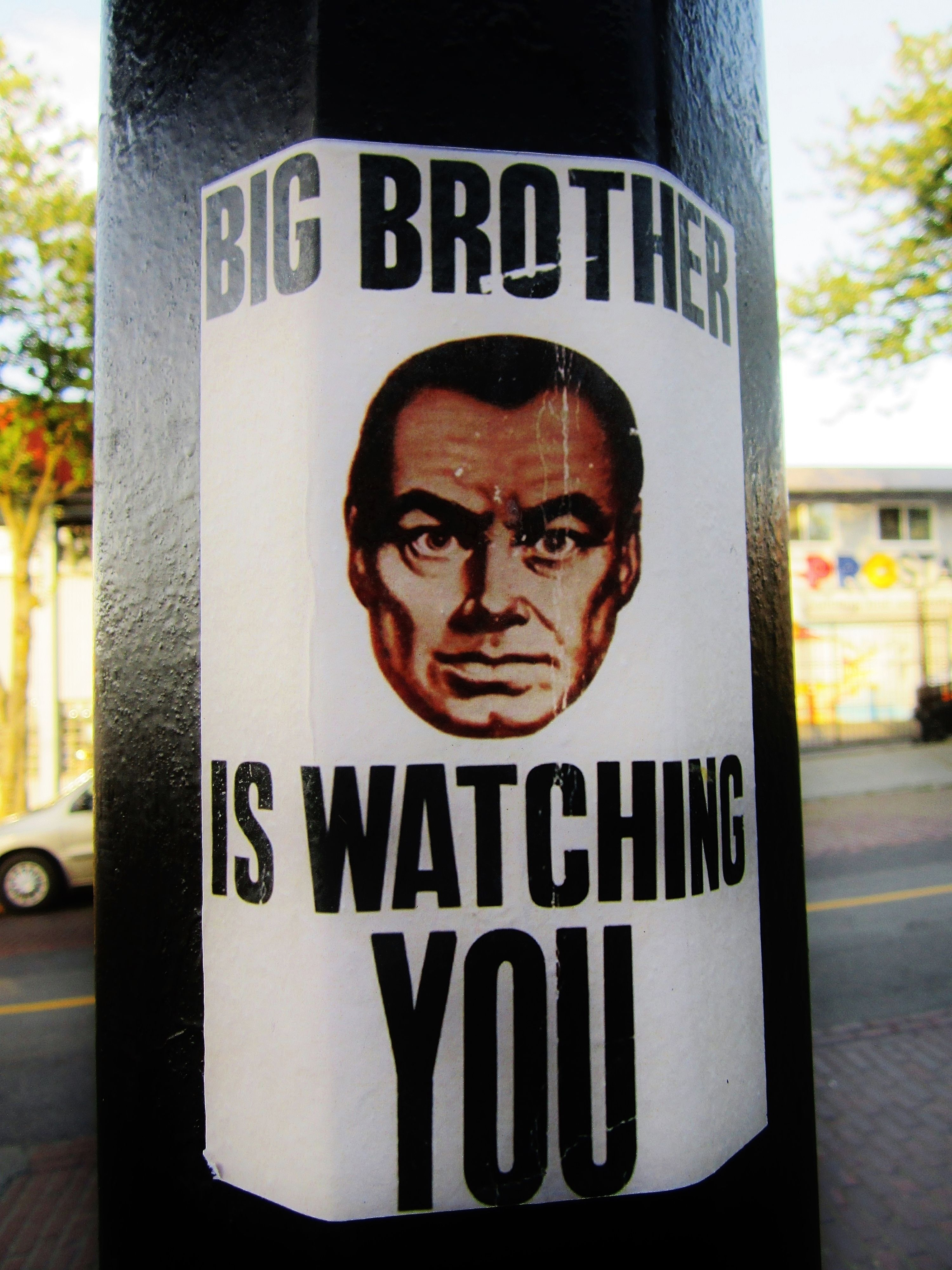 En 1984 de George Orwell ¿qué número lleva la habitación donde se encuentra lo peor del mundo?
