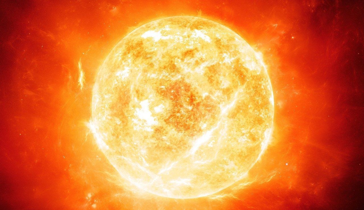 ¿Cuánto tarda en viajar la luz del sol hasta la superficie terrestre?