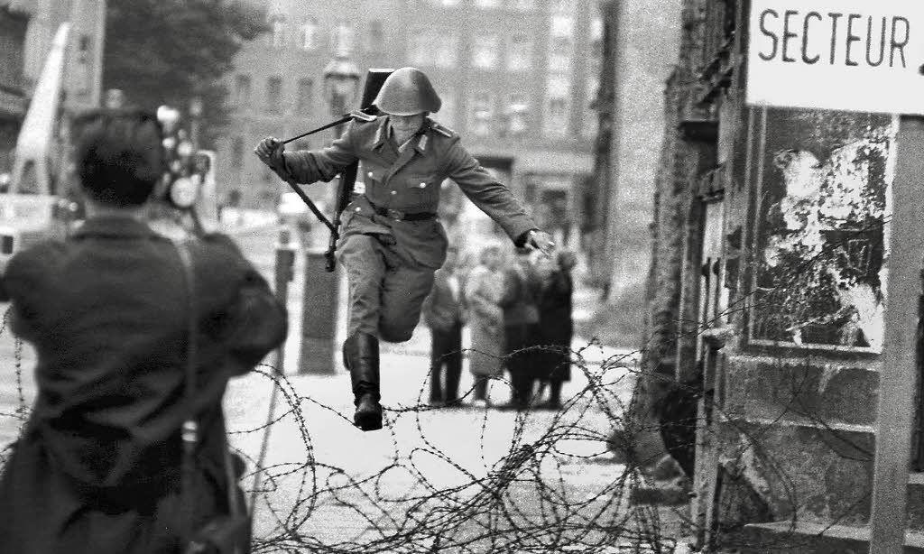 ¿20 millones o evitar el muro de Berlin?