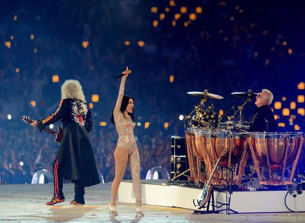 ¿Qué grupo inauguró junto a Jessie J los JJOO de Londres 2012?