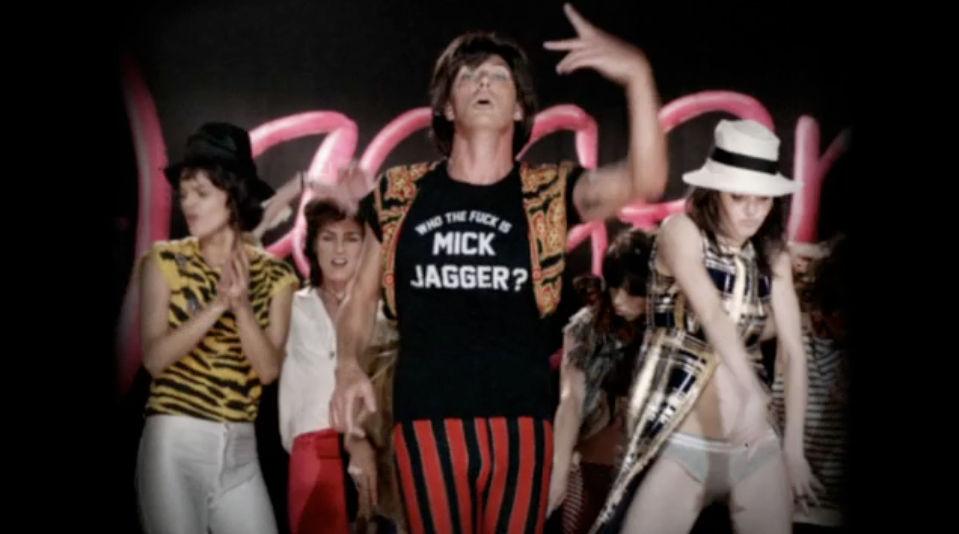 La canción Moves Like Jagger de Maroon 5 hace referencia al cantante del grupo: