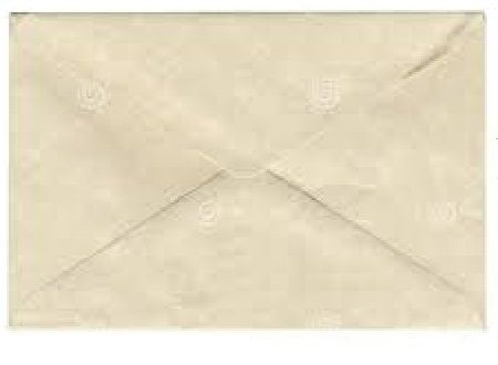 En mitad de la madrugada alguien toca tu puerta,tira este sobre y se va corriendo