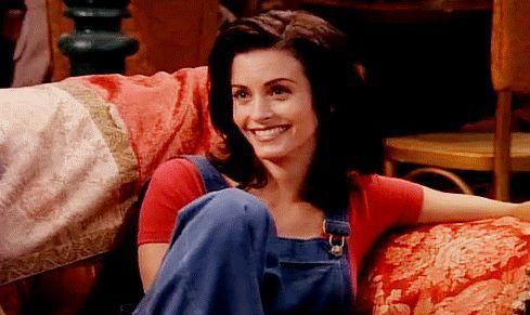 ¿Con qué amigo de su padre sale Monica Geller?