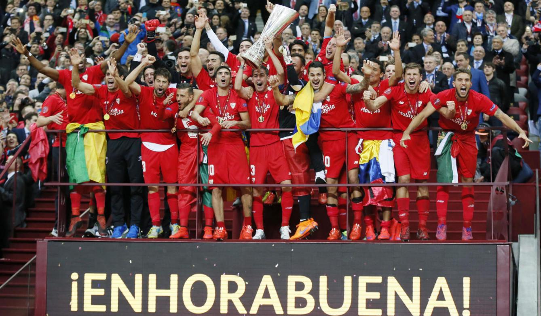 El Sevilla FC es el equipo que más Europa Leagues o Copas de la UEFA posee y muestra en sus vitrinas ¿Cuántas tiene?