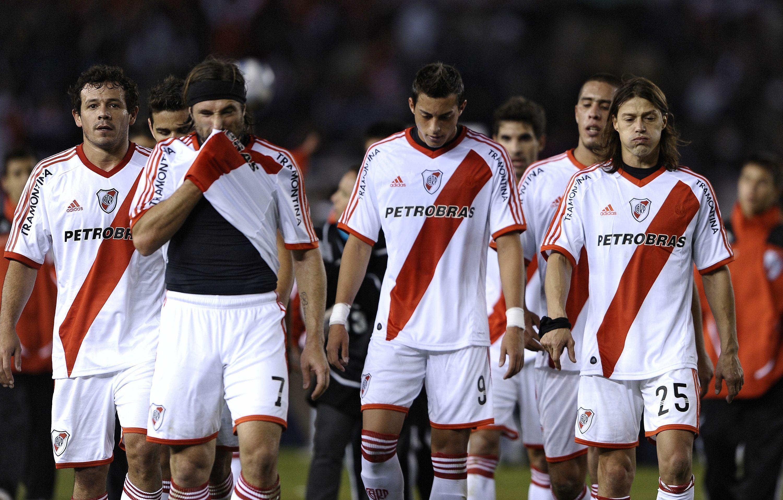 El actual subcampeón del Mundial de Clubes, River Plate, descendió de categoría por primera vez en su historia ¿En qué año fue?