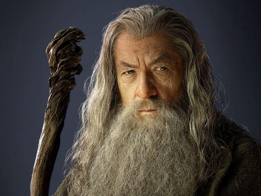 ¿A qué raza pertenece Gandalf?