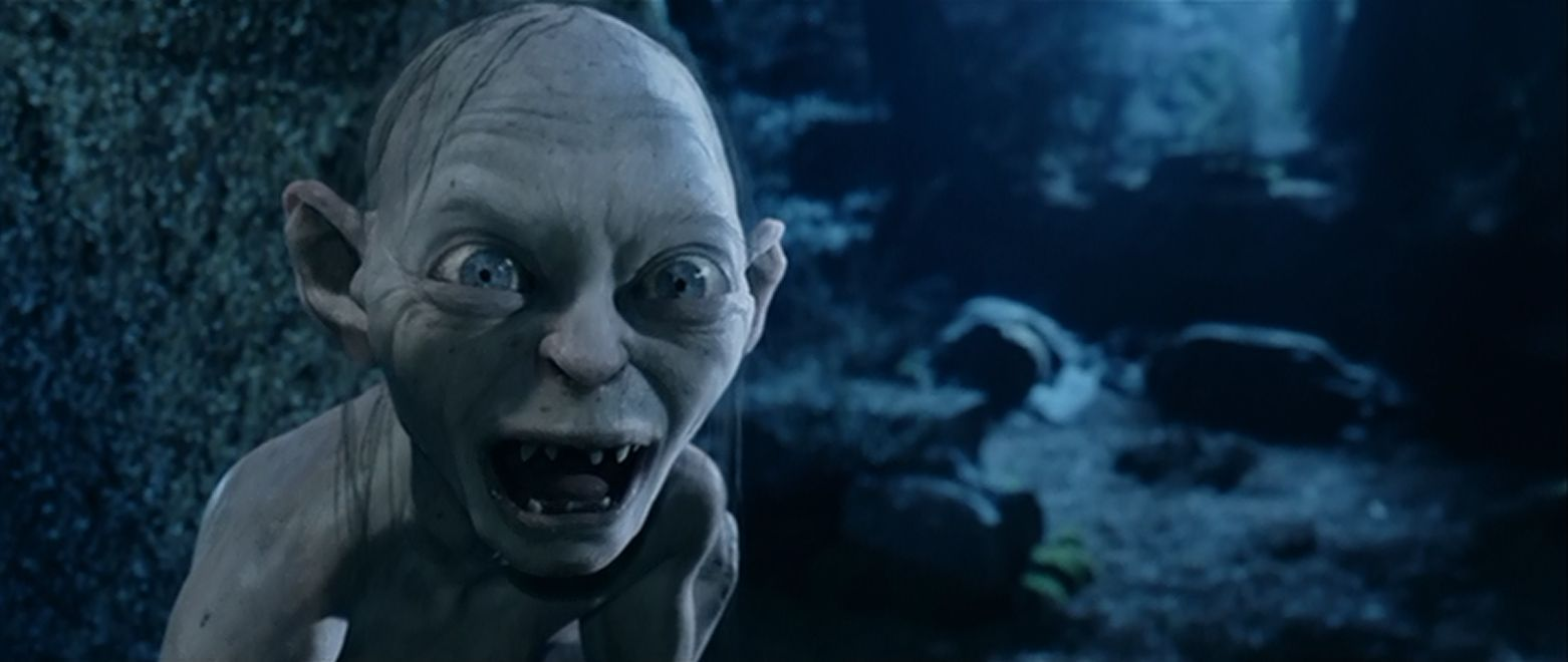 ¿Quién intervino en que Gollum se tropezara y cayera en los fuegos del Monte del Destino?