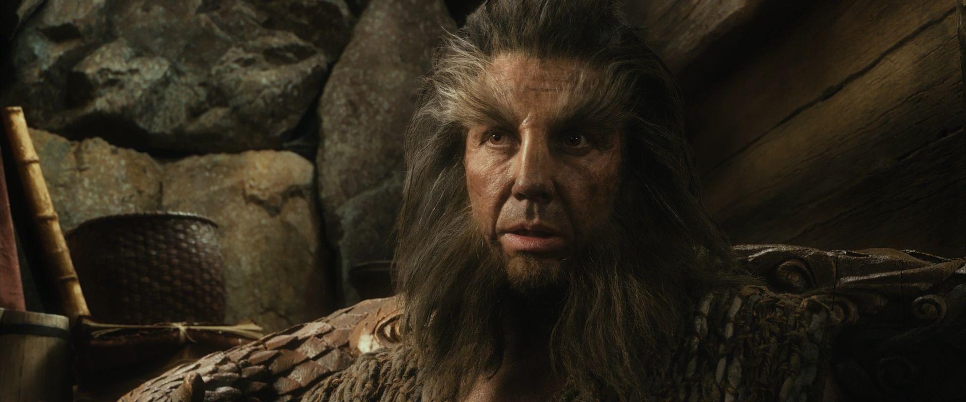 ¿Cuál era el nombre del cambiapieles que ayudo a los enanos (más Bilbo y Gandalf) tras escapar de los trasgos?