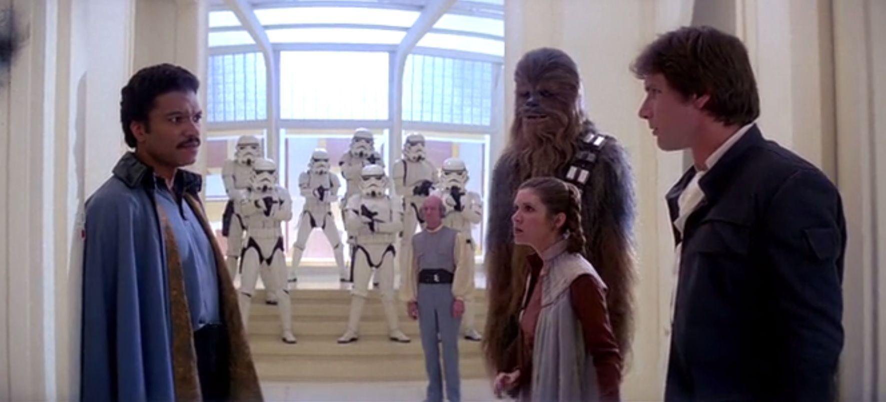 ¿Con quién contacta mediante la fuerza Luke para ser rescatado en Bespin?