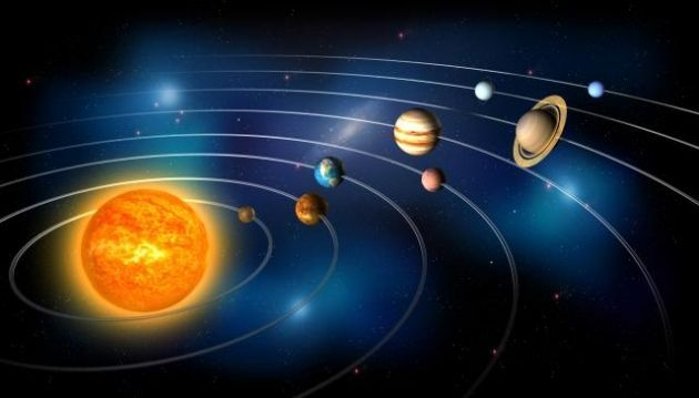Ahora otra curiosidad, ¿sabrías decirme cuál es el único planeta del Sistema Solar que gira en sentido de las agujas del reloj?