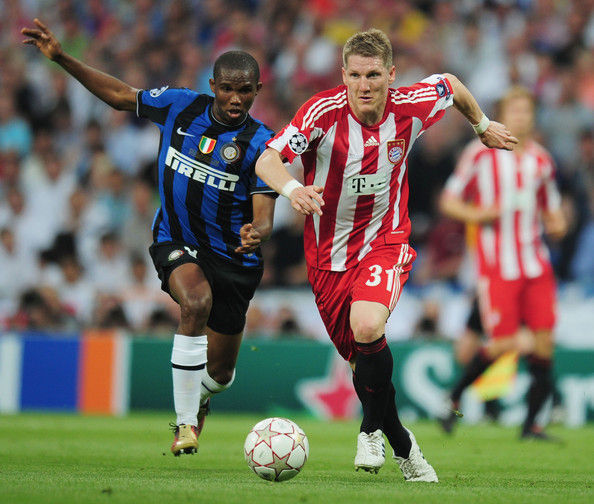 En 2010, pero esta vez con el Inter y el Bayern, otro delantero marcó los dos goles del club italiano ¿Quíen fue?