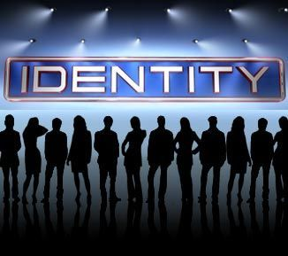 8533 - Identity. Lograrás adivinar la identidad de los 12 extraños