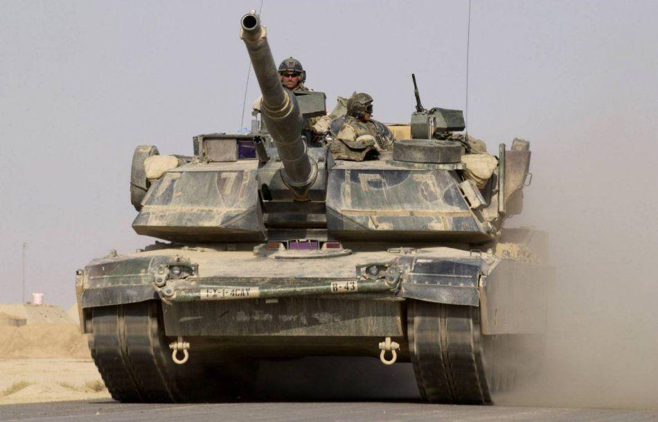 Te encuentras un tanque enemigo ¿qué haces?