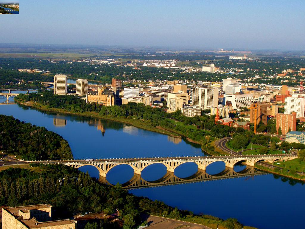 ¿A qué país pertenece Saskatoon?