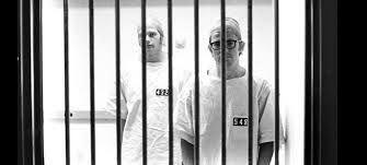 Si estuvieras atrapado en una cárcel, ¿cómo intentarías escapar?