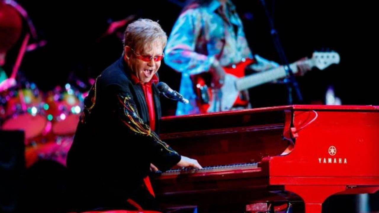 Elton John fue presidente del West Bromwich Albion.