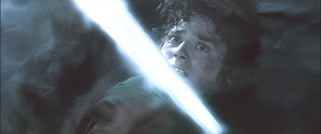 ¿Quién lleva a Frodo a Rivendel tras ser atacado por el Rey Brujo de Angmar?