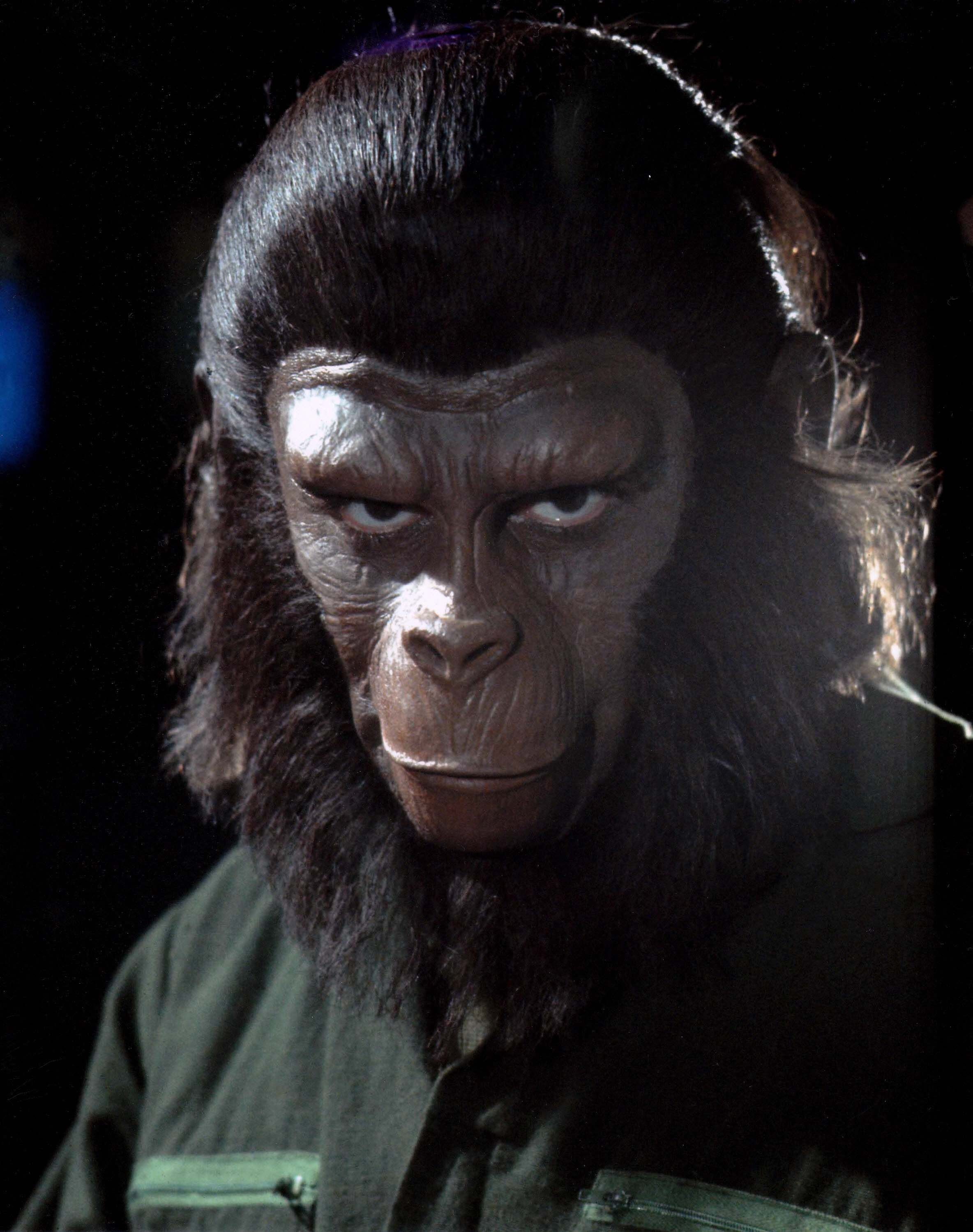 ¿Cuál era el nombre original de César (Escape from the Planet of the Apes)?