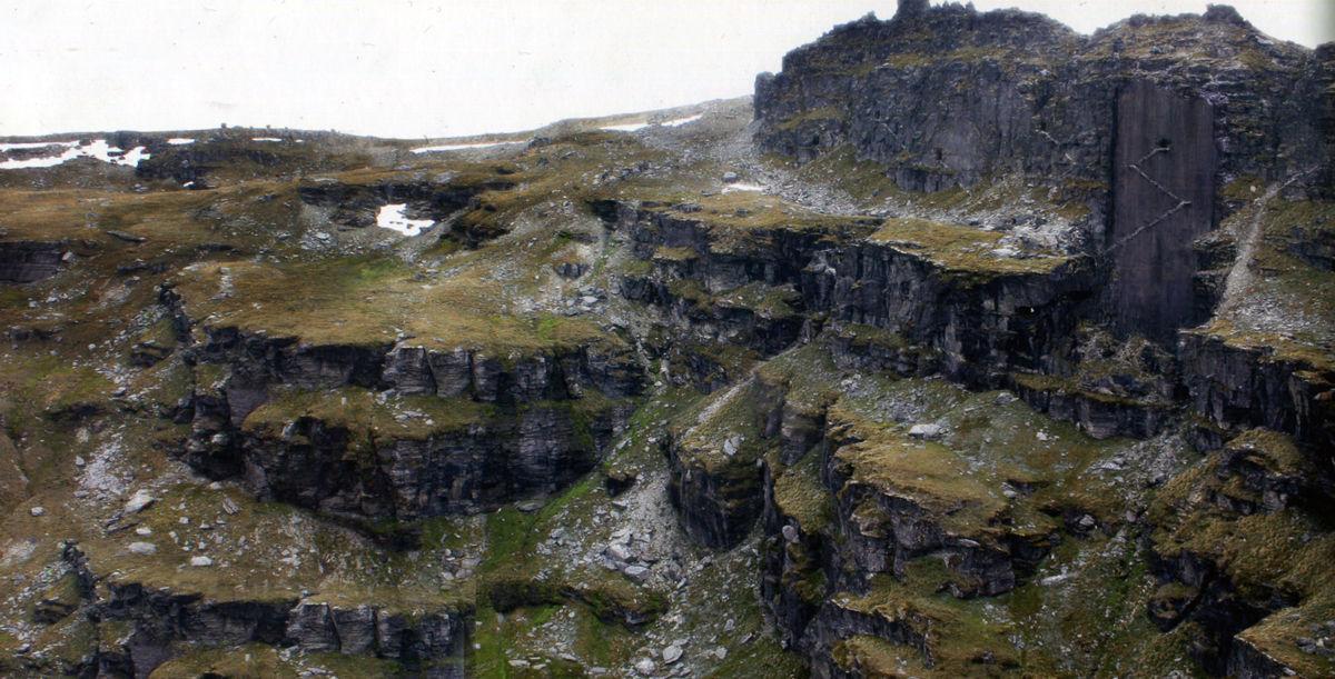 Los hombres de las montañas de esa zona se aliaron con Angmar. ¿Cuál fue el siguiente objetivo del Rey Brujo?