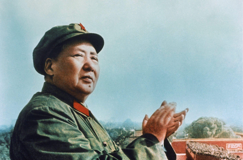 ¿Qué medida no llevó a cabo Mao durante su mandato?