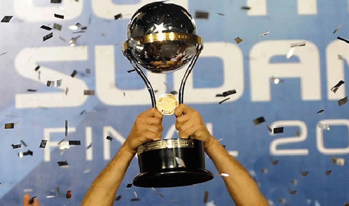 ¿Qué equipo fue el primer campeón de la Copa Sudamericana?