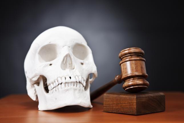 Y por último, ¿crees que estaría bien legalizar la cadena perpetua y la pena de muerte?