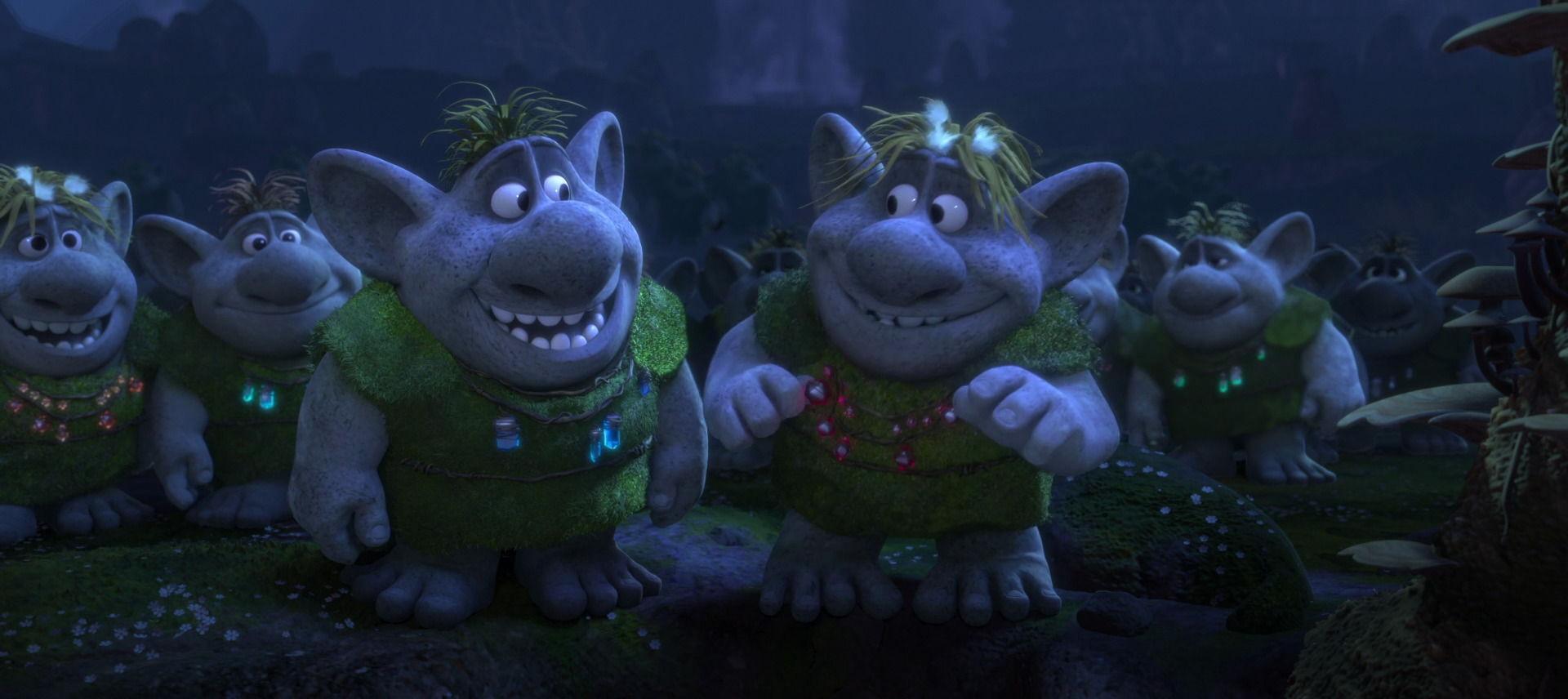 Los trolls tienen collares de colores ¿De qué color es el de Gran Pabbie?