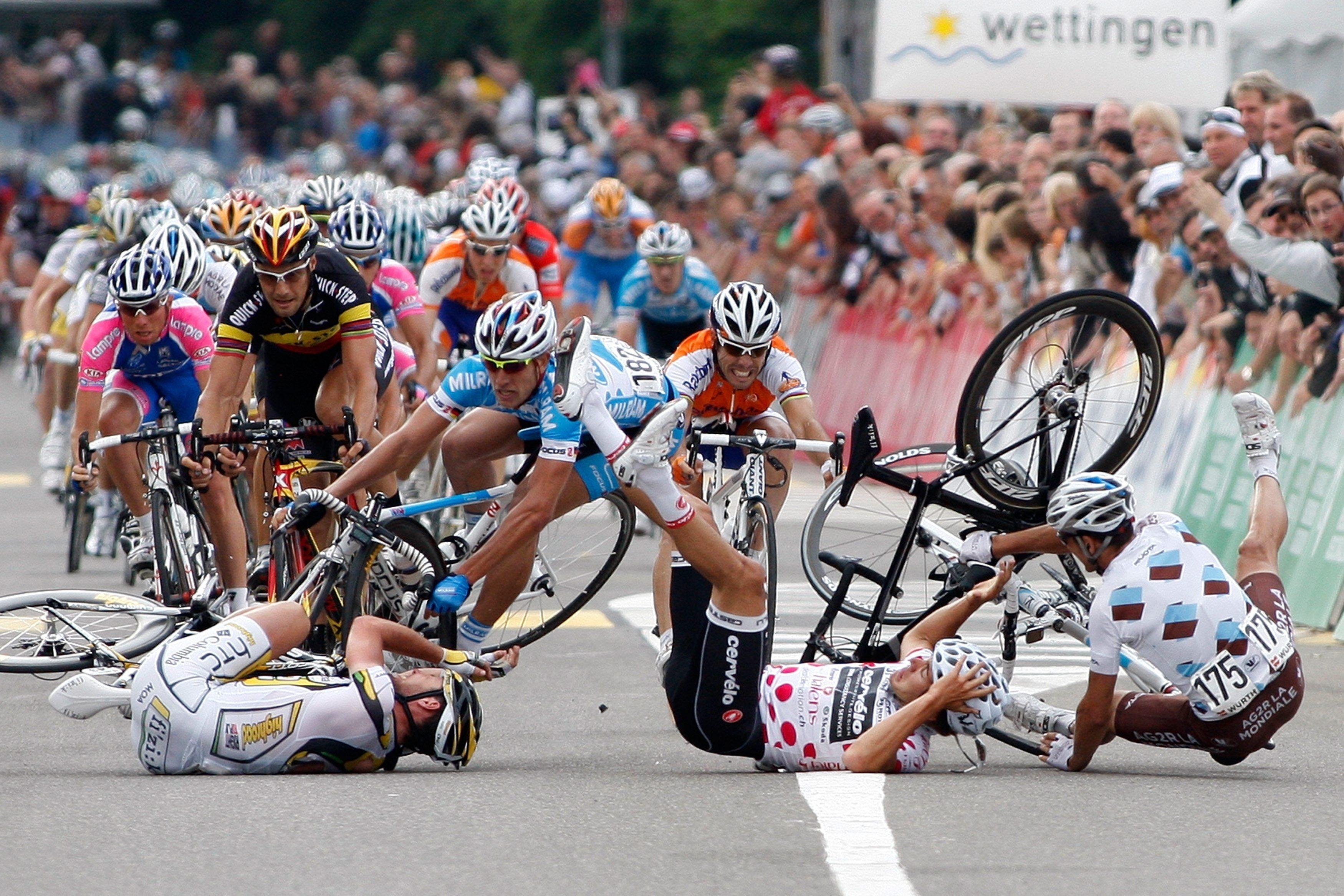 Si vas en bicicleta y te caes, ¿qué es lo primero que haces?