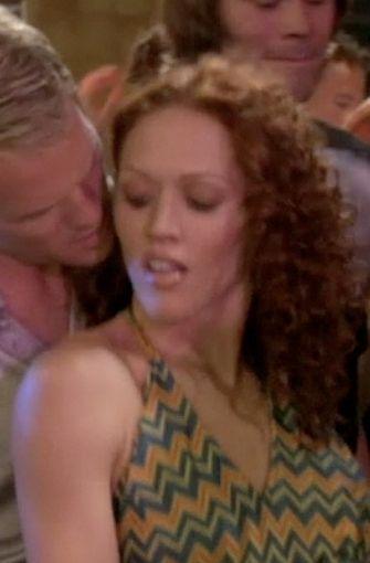 ¿Con quién baila Barney en la imagen?