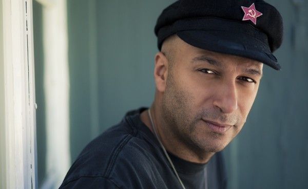 Tom Morello participo en la cancion...